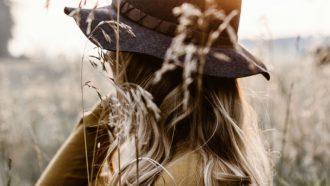 14 extreem geniale tips als je je haar gaat krullen met de krultang