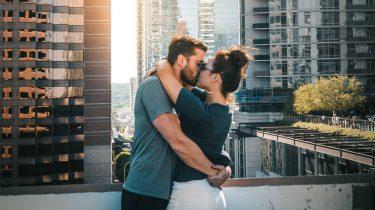 6 overduidelijke tekenen dat je steeds gekker wordt op je lover