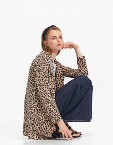 luipaard jas kopen bij stradivarius