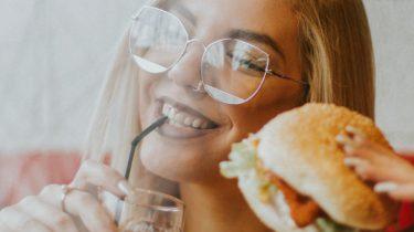carpaccio hamburger eten in lisse