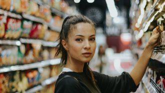 herkenbare momenten cassière supermarkt