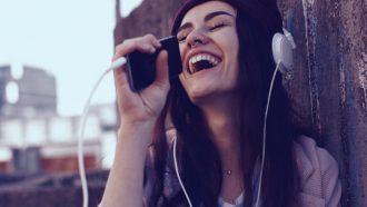 Minder stress op werk door zingen