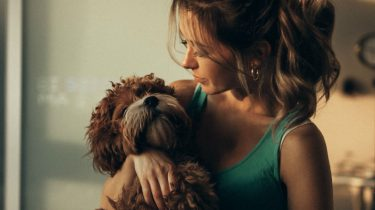 hond vrouw liefde vakantie