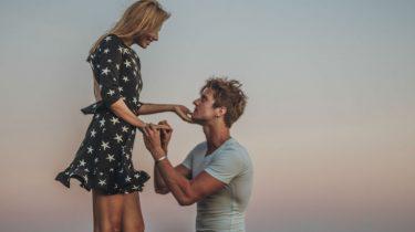 huwelijksaanzoek liefde man vrouw romantische