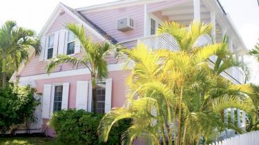 roze strandhuis