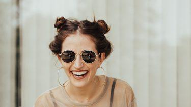 fb65f3d9704e72 De 5 zonnebrillen die je deze zomer overal gaat zien