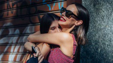 6 signalen dat je beste vriendin na jaren vriendschap inmiddels je familie is geworden