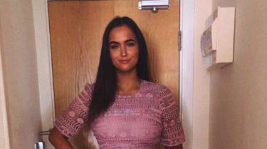 vrouw beledigd asos jurk via tinder