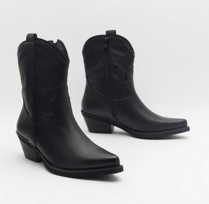 7x mooiste zwarte laarsjes die je het hele jaar door draagt