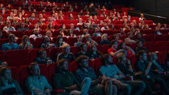 bioscoopzaal met bioscoopfilms uit 2020