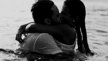 een verliefd stel in een lange relatie