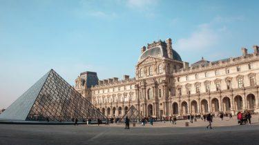 Het Louvre in Parijs: deze kan je bezoeken tijdens een verblijf aangeboden door Lidl